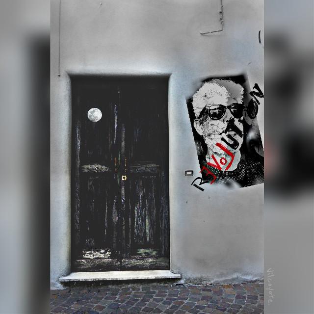 C'è una casa in fondo la via .. Ci abita una vecchia. vecchietta vecchina.  ..  ...   #collage #emotions #oldphoto #people #love #blackandwhite #colorsplash #quotesandsayings #travel  #collage