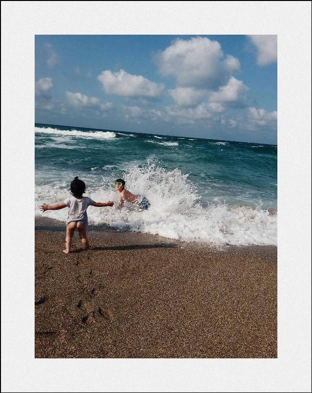 #baby #beach #love #turkey nehir ve efkanımın dalgalarla mutluluğu...