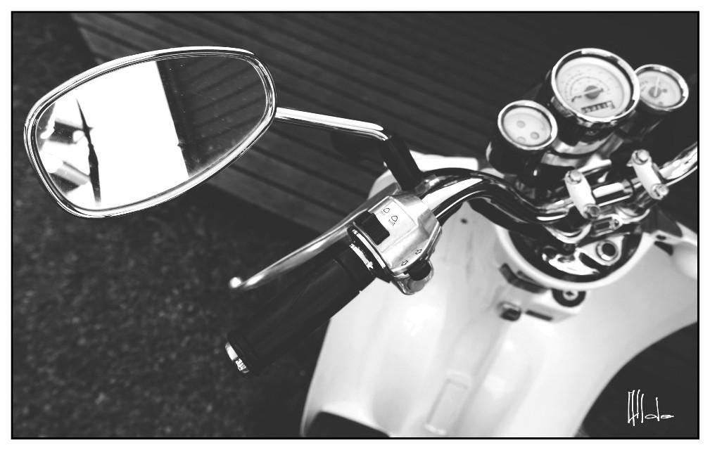 #blackandwhite  #scooter
