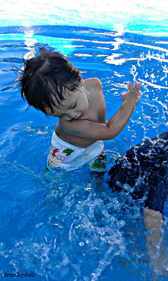 ::Simple happiness... #love #photography #kids #pool