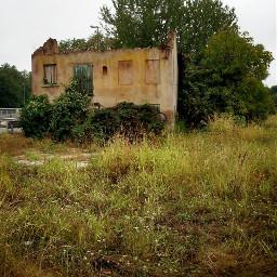 abandoned house crumbling