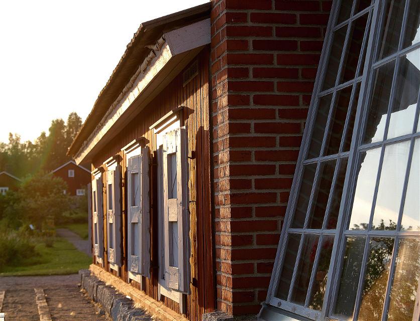 #summer  #building  #garden  #photography  #windows