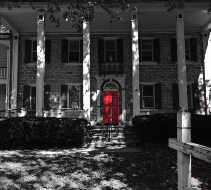 Red door  #blackandwhite  #colorsplash