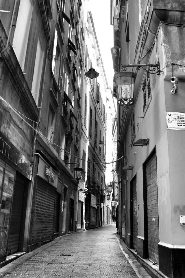 Magic Genova under the rain  #blackandwhite #hdr #love #oldphoto #photography #rain #retro #travel #vintage #urban #street  #streetphotography #genova #italy