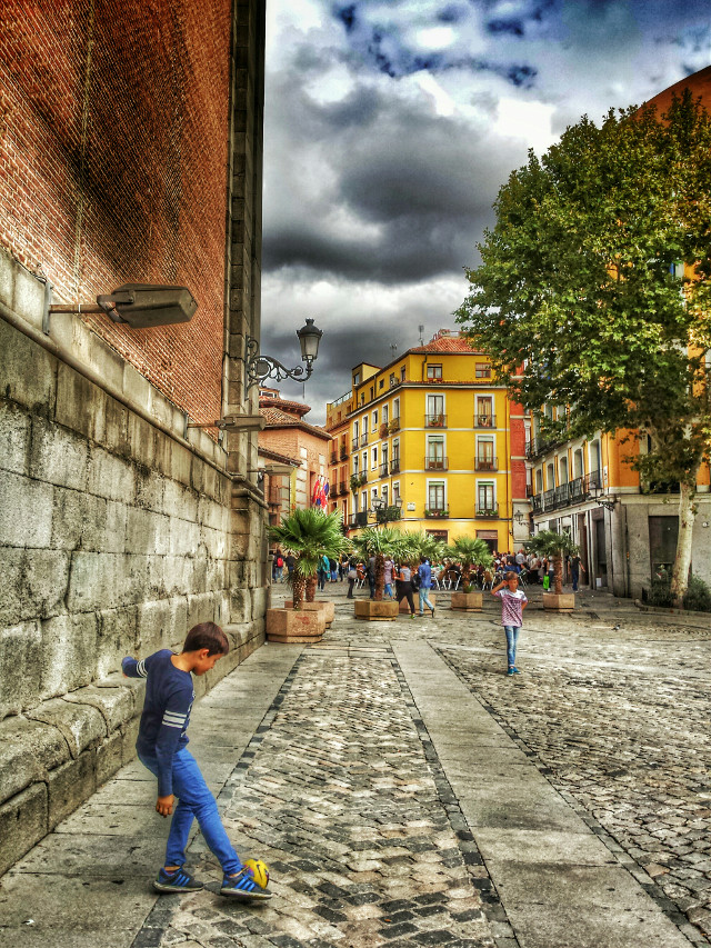 #kids  #street  #madrid